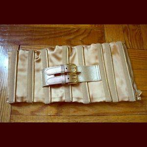 Dolce & Gabbana gold waist belt